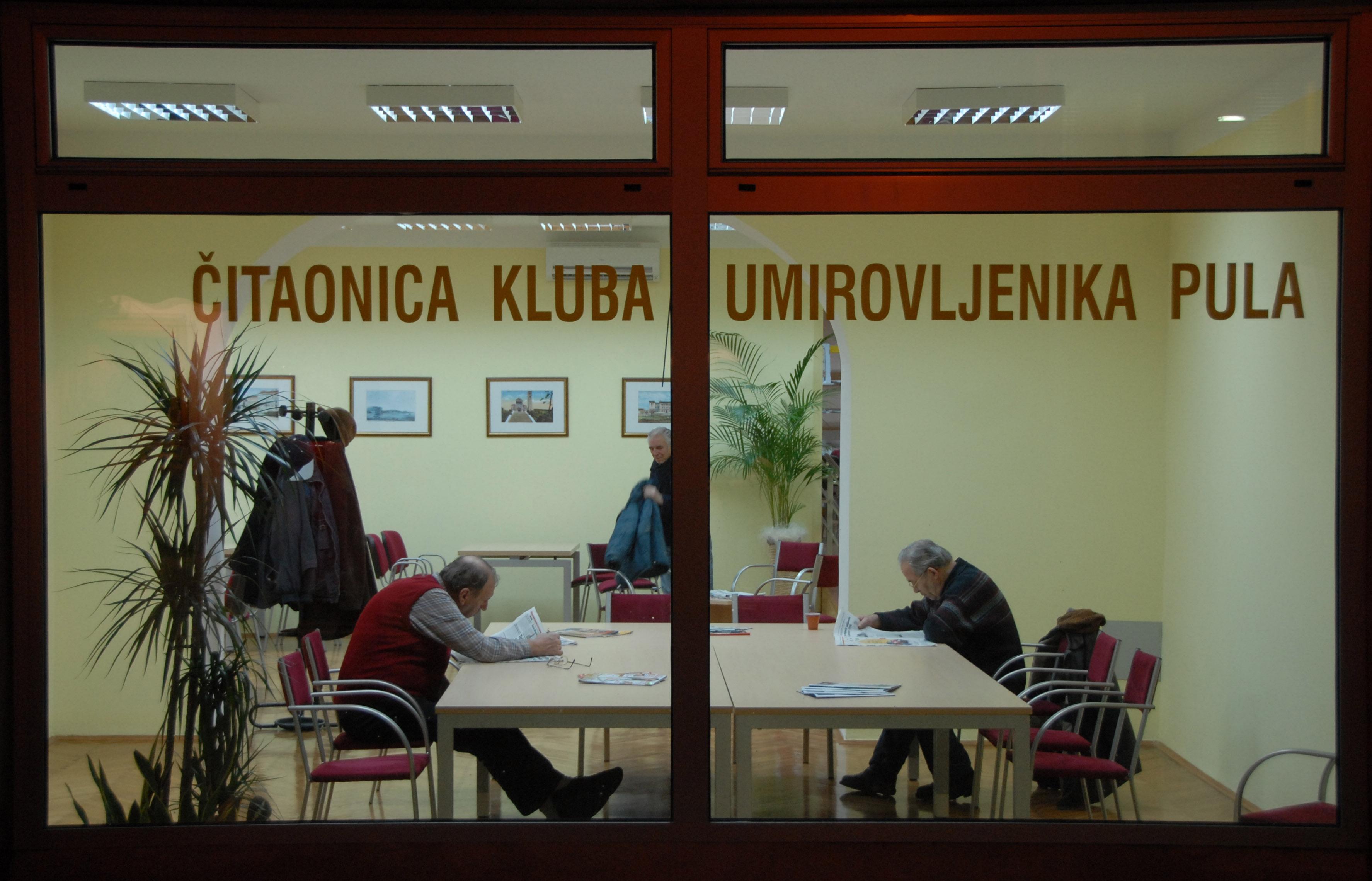 http://www.pula.hr/site_media/media/typo3/uploads/pics/Penzici-klub_02.jpg