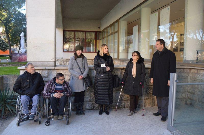 LokalnaHrvatska.hr Pula Galerija C8 u Puli odsad pristupacna i za osobe s teskocama u kretanju